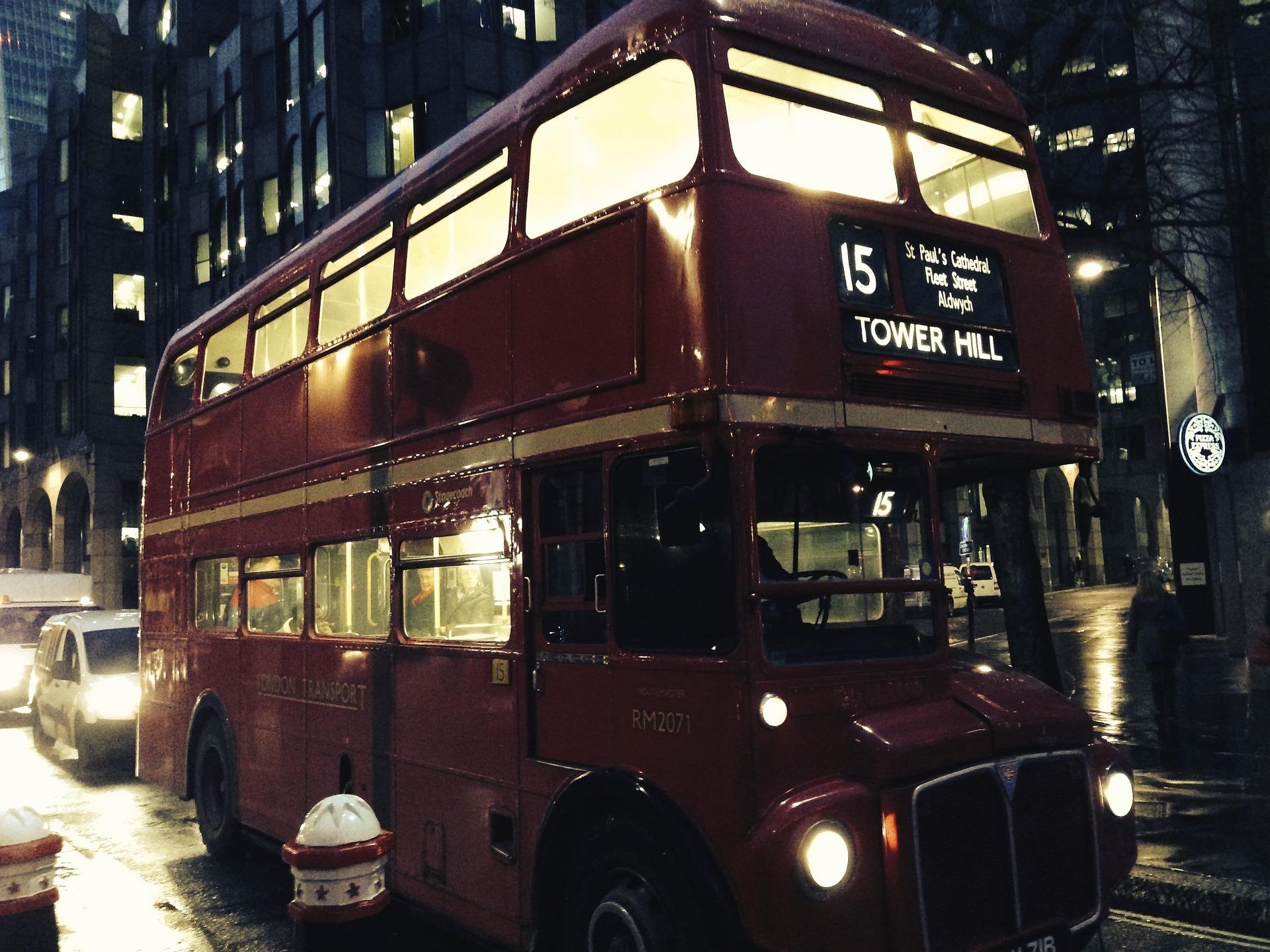 bus-986477_1920