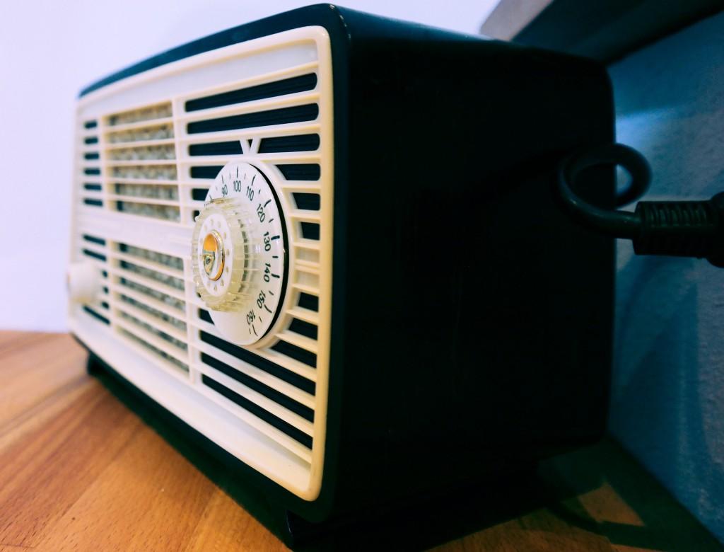 radio-543122_1920