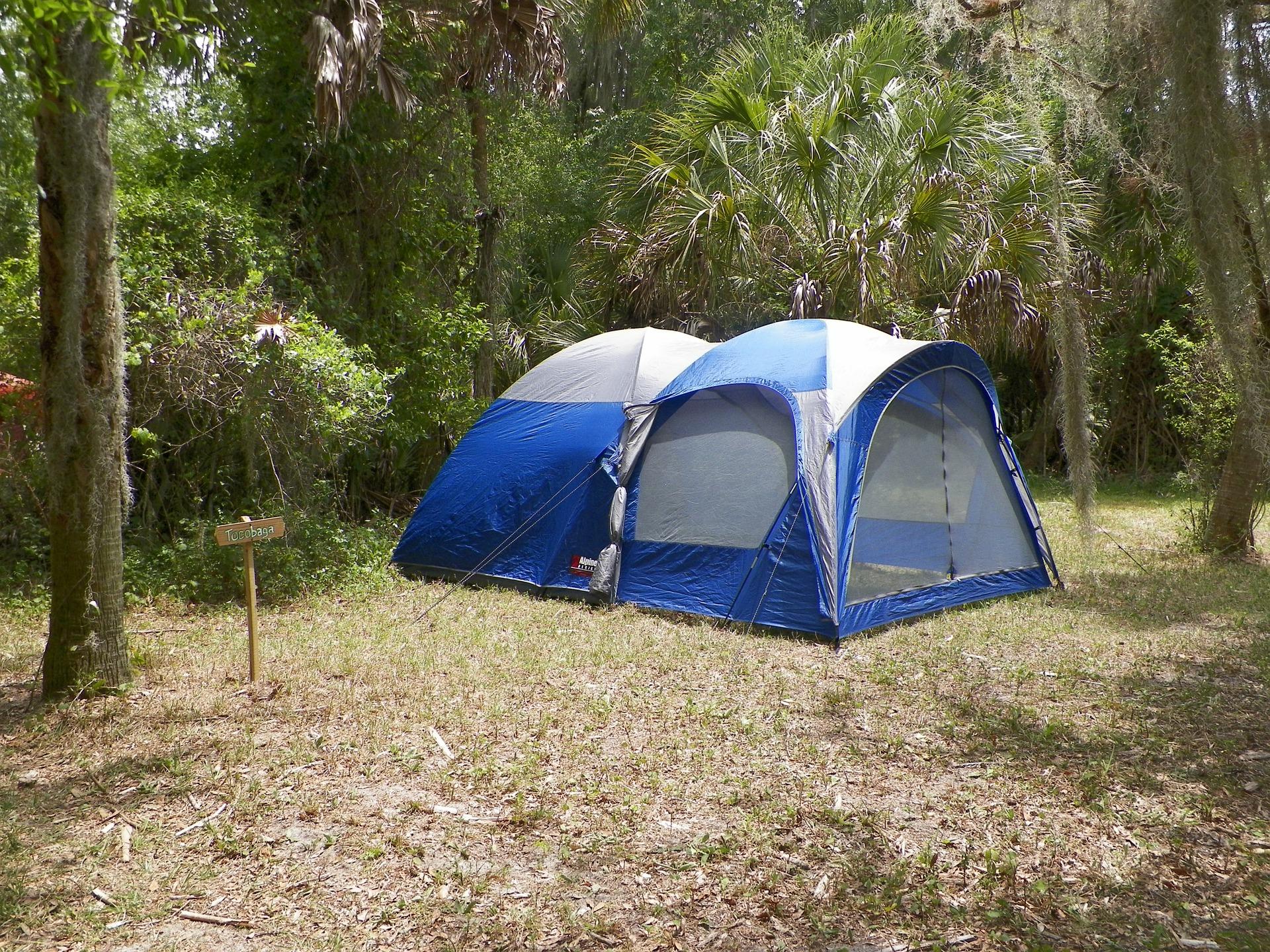 camping-445425_1920