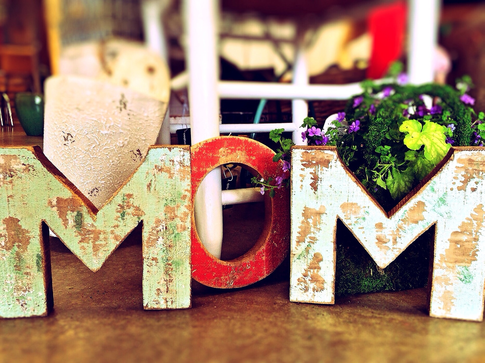 mom-759216_1920